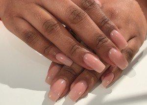 Acryl nagels nude bij Care 4 Your Nails- nagelstudio Rotterdam